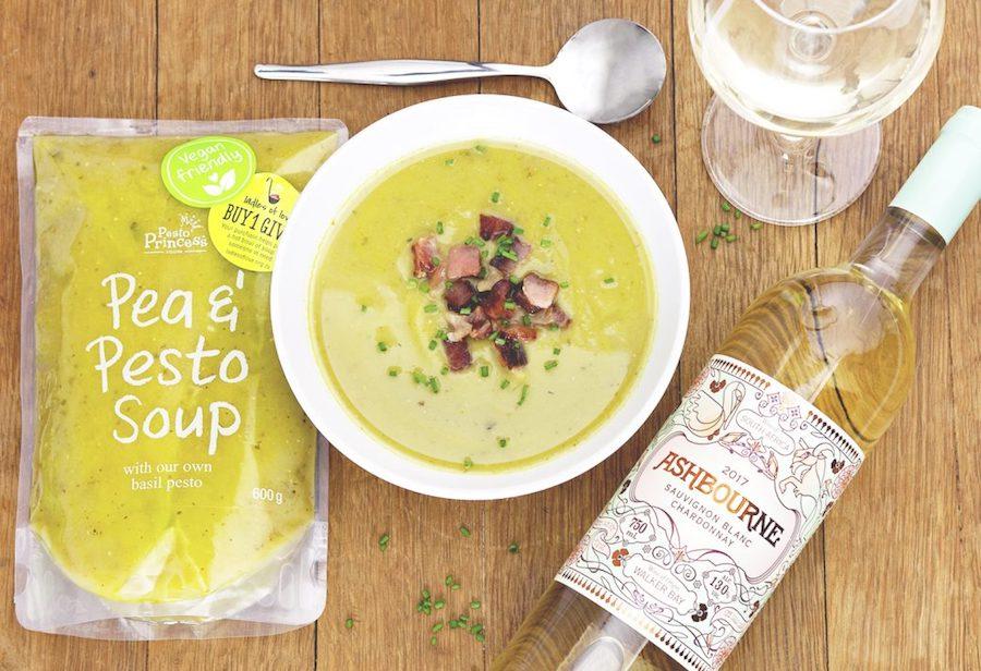 #SoupAndSauvignon – Pea & Pesto Soup with Crispy Bacon